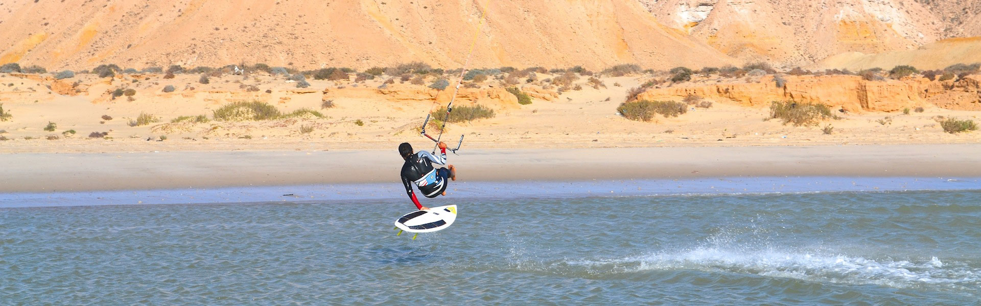 Heliophora Dakhla is a perfect place to start kitesurfing. Experience the genuine attitude in dakhla on a nice spot with a great spirit
